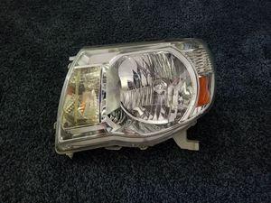 2005-2011 Tacoma Headlight Left/Driver Side for Sale in Sacramento, CA