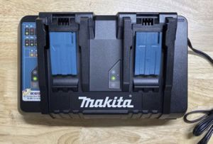 Makita dual bay rapid charger with usb for Sale in Azusa, CA