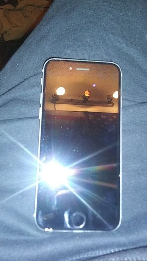 Silver iPhone 6 32g for Sale in Wichita, KS