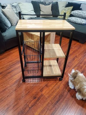 Microwave table for Sale in Compton, CA