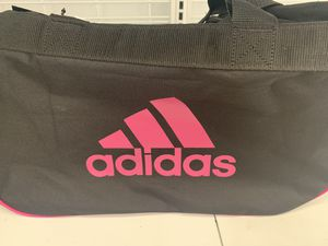 Adidas duffle bag for Sale in Chesterfield, MO