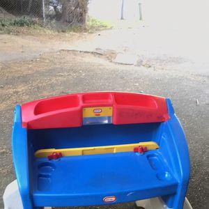 Little Tikes Kids Desk for Sale in Burien, WA