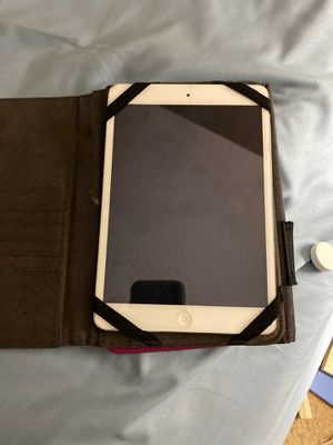 IPad 3 great condition. Has screen cover since day 1. My daughter just got one for Christmas and doesn't use it for Sale in Oklahoma City, OK