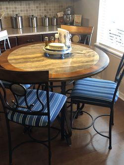 Pub Table & Chairs for Sale in Clermont,  FL