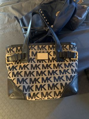 Michael Kors Purse for Sale in Selma, CA