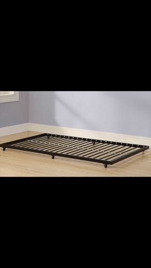 TWIN SIZE Walker Edison Roll-Out Metal Bed Frame. for Sale in Lansing, IL