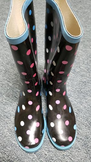 RAIN BOOTS SIZE 7 for Sale in Woodbury, NJ