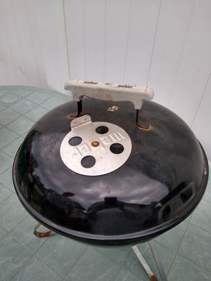 Small black Weber BBQ grill for Sale in Franklin Square, NY
