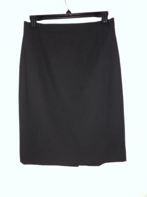 Ann Taylor - Seamed Pencil Skirt in Seasonless Stretch for Sale in Chicago, IL