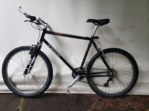 Trek 930 singletrack mountain bike for Sale in Manchester-by-the-Sea, MA