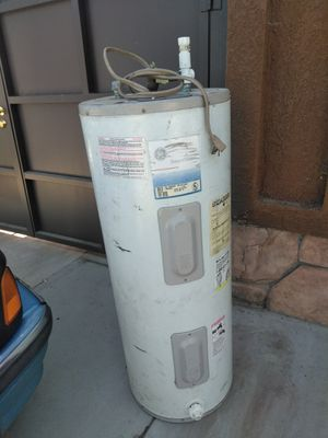 Electric water 💧 heater for Sale in Selma, CA