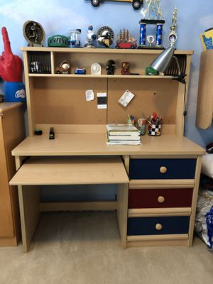 Kids maple computer desk with hatch for Sale in Rancho Santa Margarita, CA