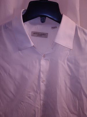 Burberry mens slim fit shirt for Sale in Las Vegas, NV