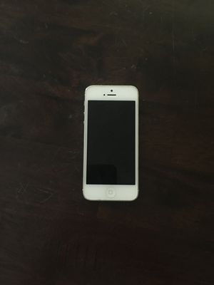 Unlocked iPhone 5 (white) for Sale in Apopka, FL