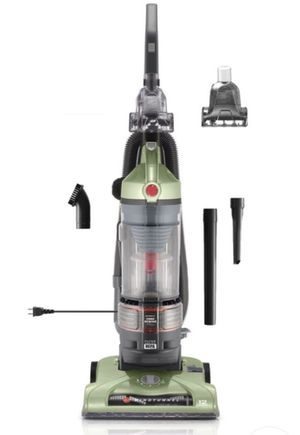 Hoover WindTunnel TSeries Lightweight Rewind Plus Bagless Upright Vacuum UH70120 for Sale in Brooklyn, NY