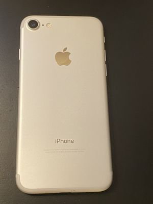 iPhone 7 32GB for Sale in Port Hueneme, CA