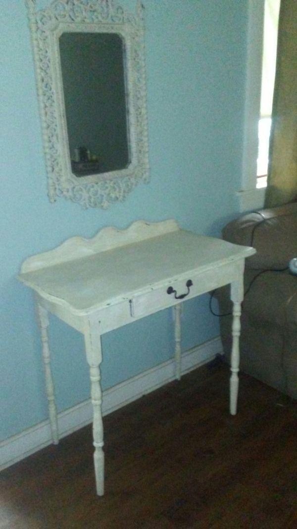 Desk /vanity