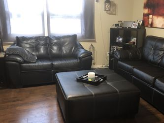 Leather Couch/love Seat And Ottoman for Sale in Port Orchard,  WA