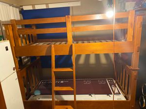 Free bunk bed for free. Pending pick up. for Sale in Berkeley, IL