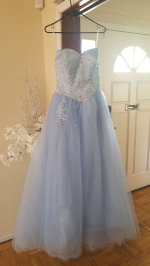 Used Quinceanera Dress or Sweet 16 for Sale in Modesto, CA