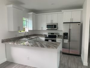 Kitchen countertop and cabinets for Sale in Miami Springs, FL