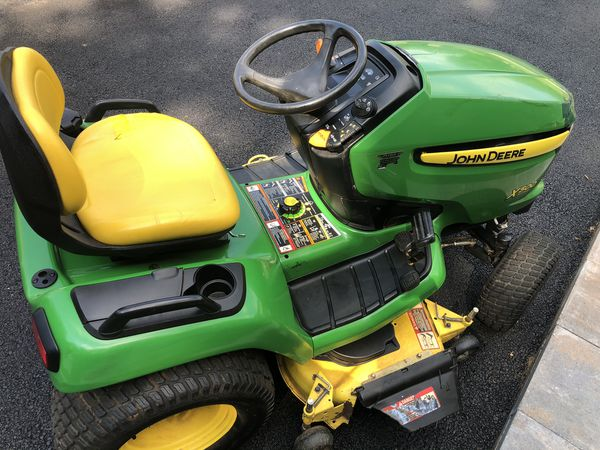 "John Deere X500 Tractor Riding Mower with 48"" Deck"