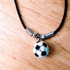 Football ⚽ Necklace 🎁🎁🎁 Pick It Up In Lake Worth 🎁 for Sale in West Palm Beach, FL
