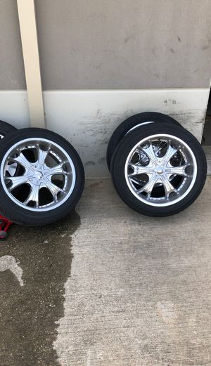 MCW 22 inch rims with tire for Sale in Houston, TX