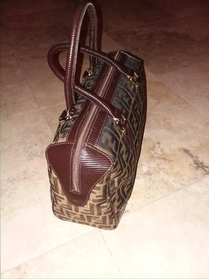 Fendi satchel hand bag ..very clean PRICE REDUCED NOW for Sale in Las Vegas, NV