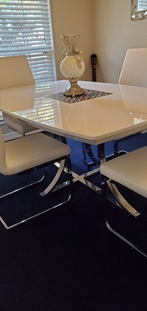 White lacquer dining set for Sale in Plano, TX