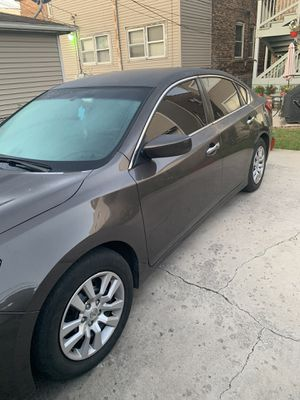 Nissan Altima for Sale in Chicago, IL