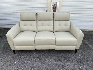 45% OFF // OPEN BOX LIKE NEW // COSTCO Timmons Leather Power Reclining Sofa with Power Headrest for Sale in Deerfield Beach, FL