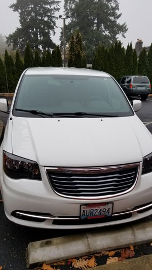 Chrysler Town & Country Minivan for Sale in Camas, WA