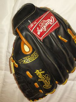 Rawlings Youth Baseball Glove for Sale in Beaverton,  OR