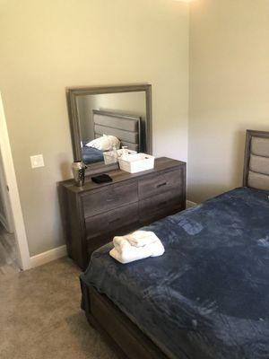 Queen bedroom set for Sale in Navarre, FL