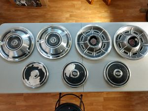 Vintage x7R and ford hubcaps. for Sale in Newport, MN
