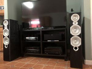 Speakers Home theater system receiver and center channel for Sale in Heathrow, FL
