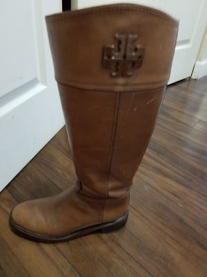"""Tory burch"" winter boots for Sale in Lombard, IL"