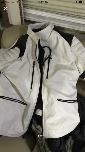 Leather jacket size XL white with black with hoodie inside that zips off. for Sale in San Mateo, CA