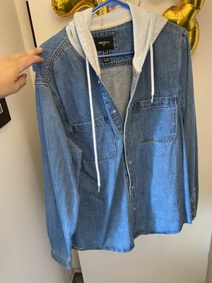 Xl denim jacket with hoodie!!!!! for Sale in Bloomingdale, IL