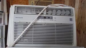 Window ac unit 6500btu for Sale in Laurel, MD