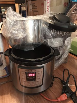 Instant pot7 in 1 for Sale in Fresno, CA