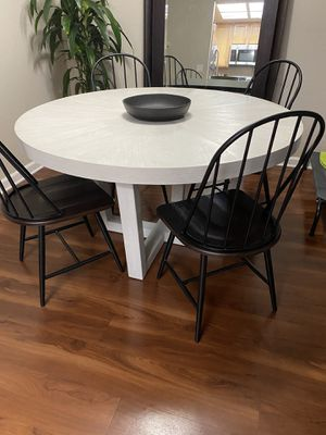Cloud Greg Extendable Dinning Table for Sale in Rocklin, CA