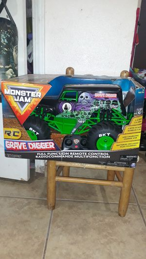 Monster jam truck 1:10 scale for Sale in Highland, CA