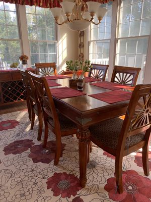 """Dining Table and Chairs with extra 18"""" leaf. for Sale in Holmdel, NJ"""