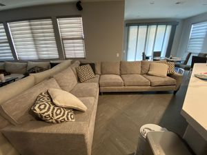 Grey Sectional Couch! : LIKE NEW! : pillows included for Sale in Rialto, CA