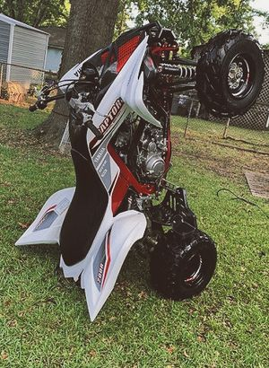 1000$ URGENT!For sale 2010 Yamaha Raptor,Very clean.Clean tittle Runs and drives great.,no issues!Clean title! for Sale in Santa Ana, CA