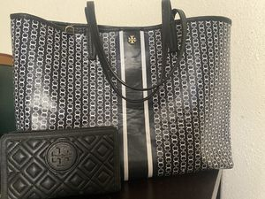 Tory Burch tote bag and wallet for Sale in Hobbs, NM