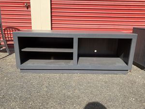 Tv console for Sale in Bakersfield, CA