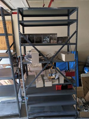 Metal shelves for sale 32x 72 son dos 70 ddl x Las dos for Sale in Fort Worth, TX